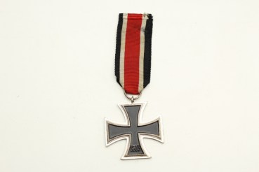 EK2 Iron Cross 2nd class 1939 on a ribbon