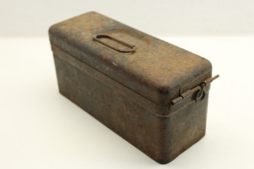 Tin box Wehrmacht for parts MG 34/42