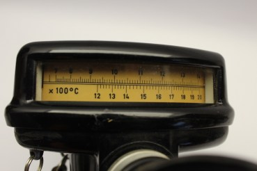 DDR pyrometer Pyrolux 1 from DDR production, radiation thermometer