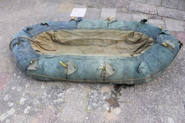 WW2 rubber dinghy camouflage colors crossing the Rhine troops, 11 chambers, checked ok