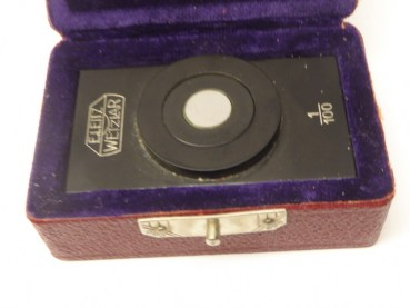 Leitz - incident light measuring plate 1/100 in a case