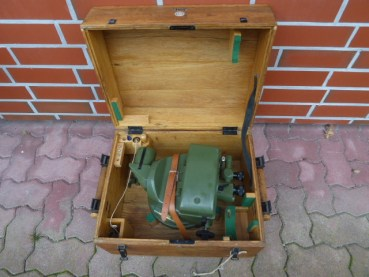 VEB Freiberger precision mechanics - balloon theodolite with accessories in the box