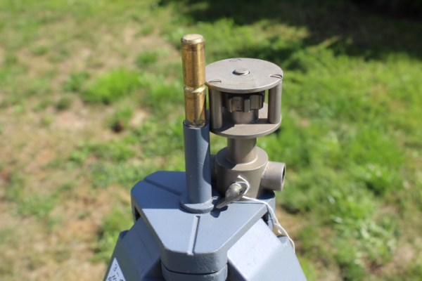 DDR / NVA tripod for alignment circle with attachment for alignment circle R1 NVA R-56