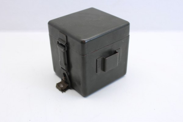 Battery box for optical lighting, reticle lighting, scissors telescope and EM m. Manufacturer u.WaA