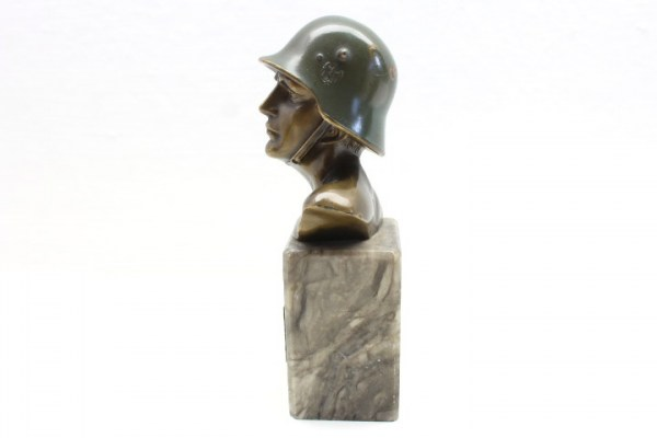 WW2 original soldier bust with dedication dated 25.03.37, steel helmet and HK, 13th Panzer Regiment