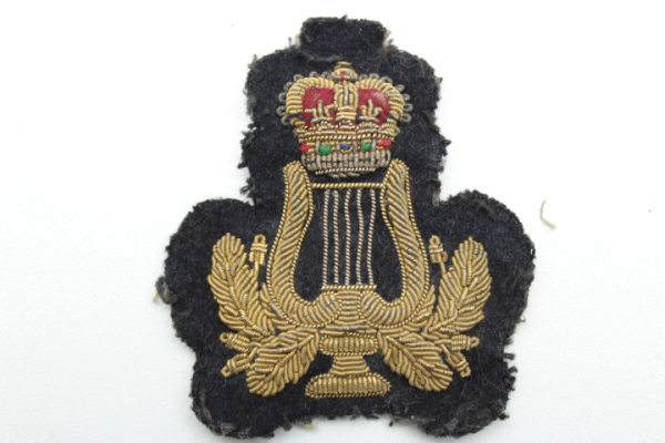 Cap badge English, worn