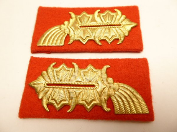 Pair of collar patches General of the Land Armed Forces / MfS