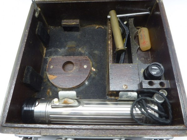 US Air Force - A10A sextant with accessories in the box